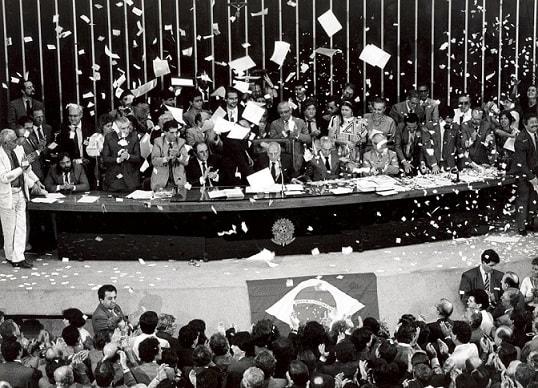 Imagem da Assembléia Constituinte de 1988