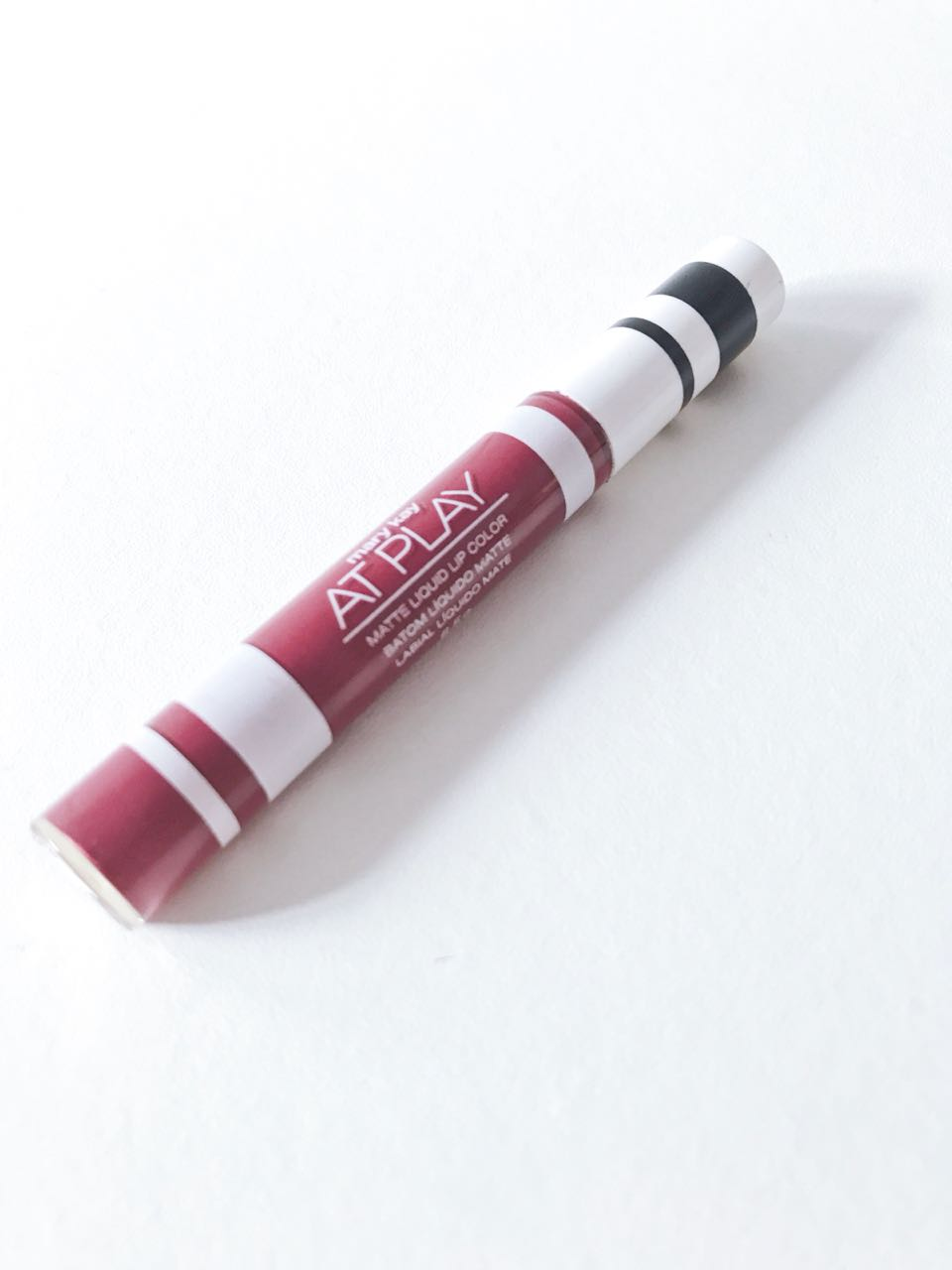 Batom Líquido Matte Berry Strong Mary Kay