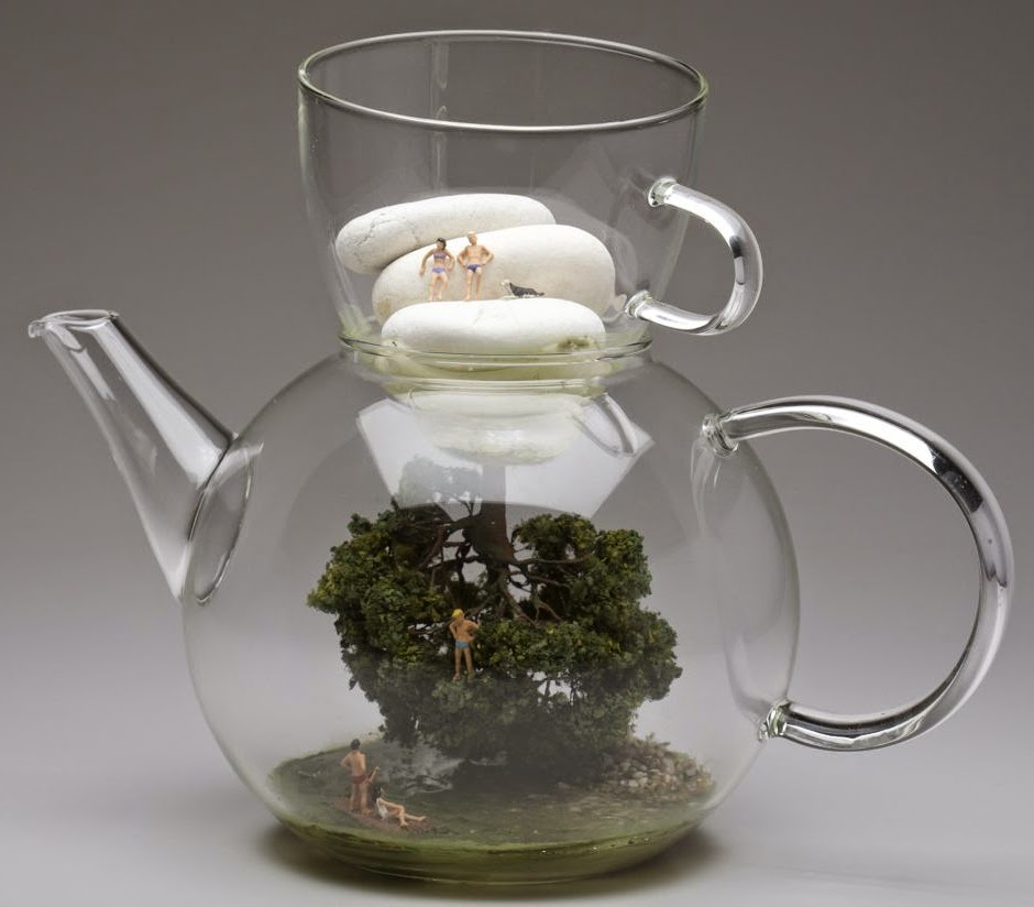 07-Kendal-Murray-Surreal-Miniature-Worlds-in-Everyday-Objects-www-designstack-co