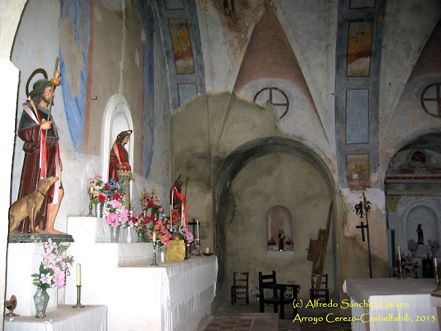 arroyo-cerezo-iglesia-altar-capillas