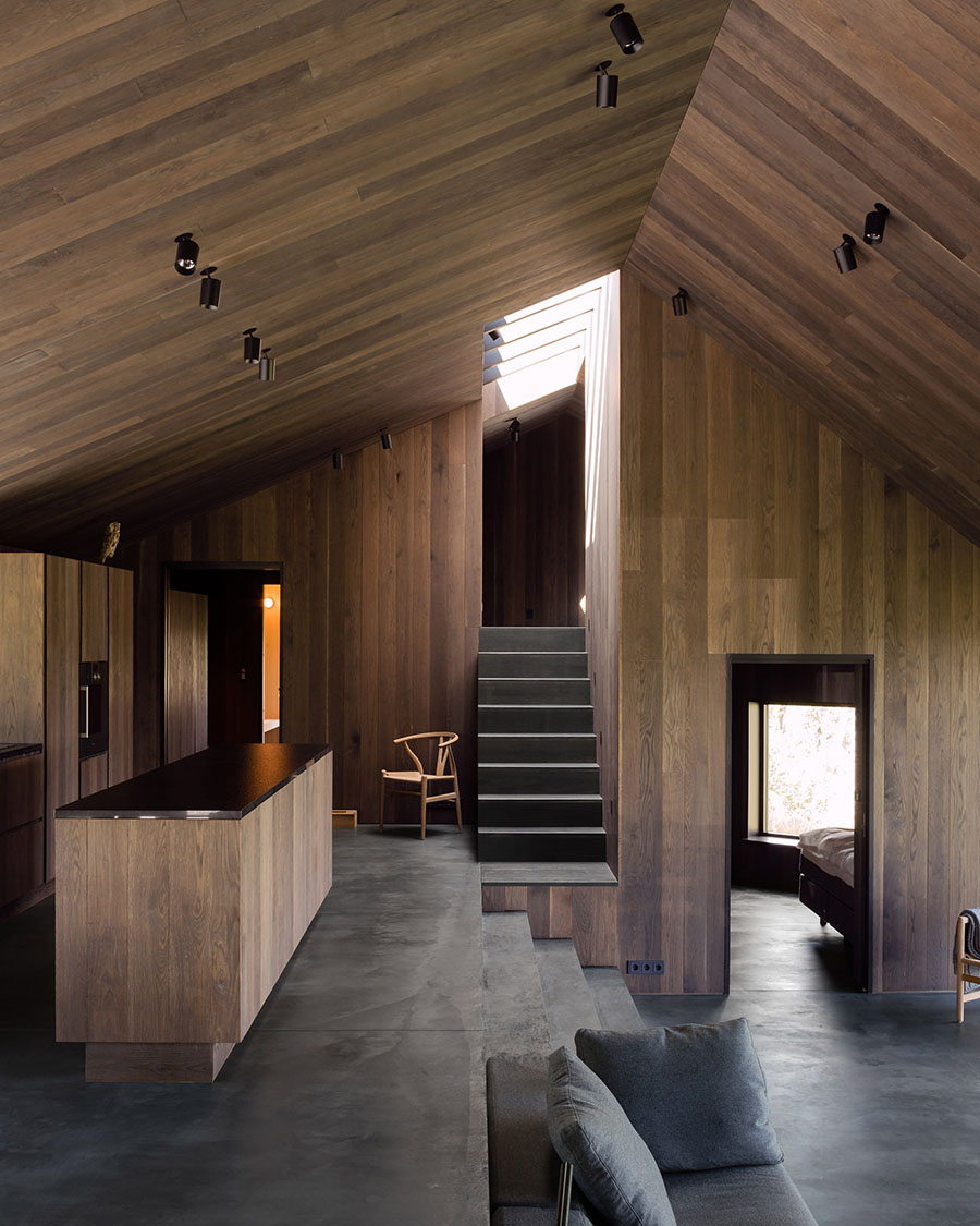 a merry mishap 6 favorite modern cabins