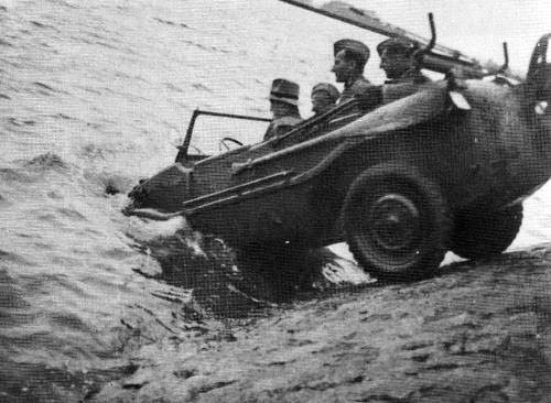Schwimmwagen worldwartwo.filminspector.com