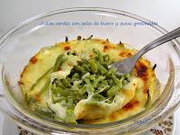 Judías verdes con salsa de huevo y queso gratinado
