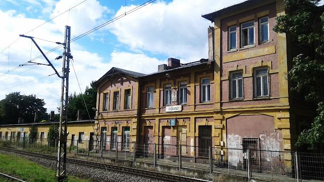Odrapana, stara stacja kolejowa (Olkusz).
