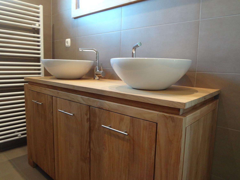 badezimmerm bel aus teakholz und waschbecken aus. Black Bedroom Furniture Sets. Home Design Ideas