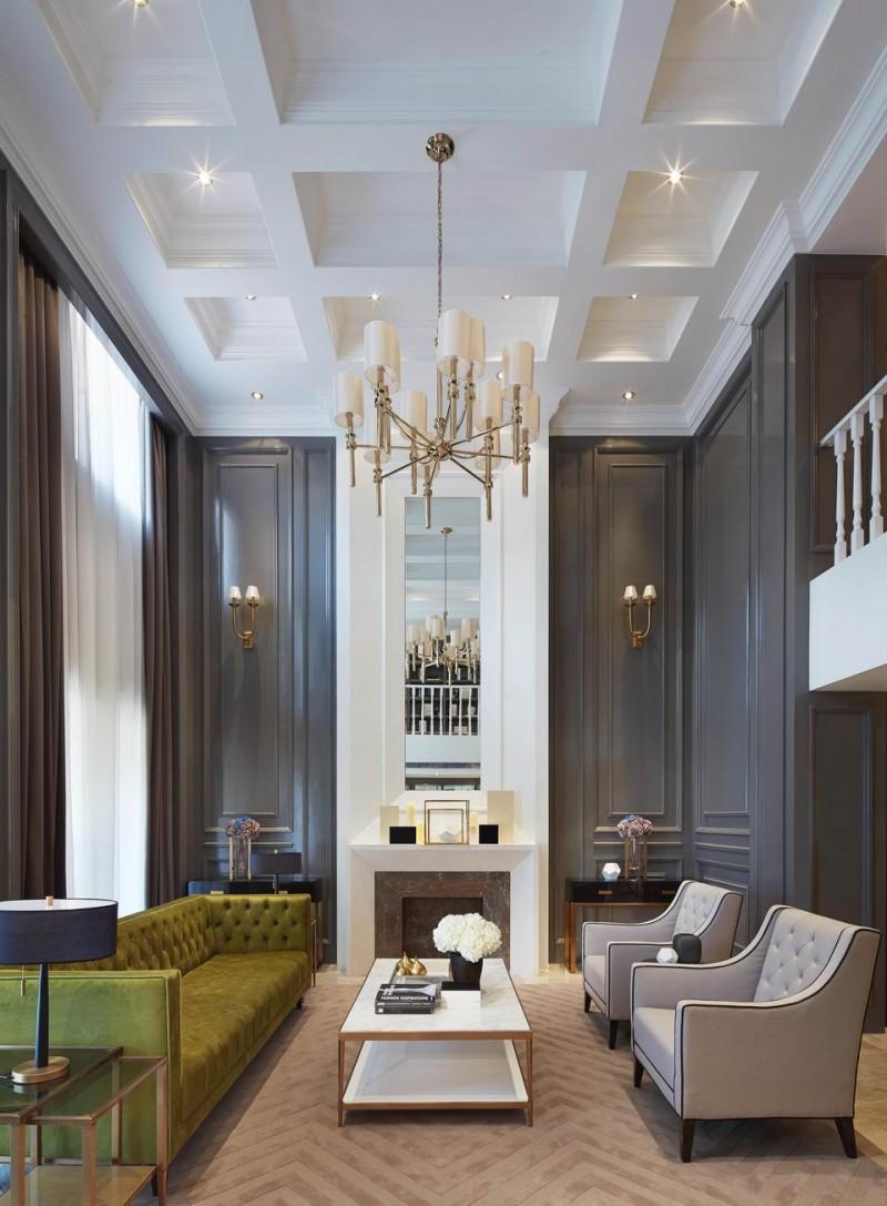 Blanco interiores casa ou hotel - High ceiling living room ...