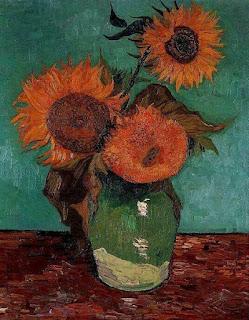 Вторая серия картин изображает букет подсолнухов в вазе.