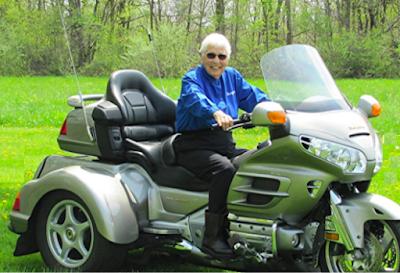 Keren! Nenek Usia 91 Tahun Touring Naik Honda Gold Wing