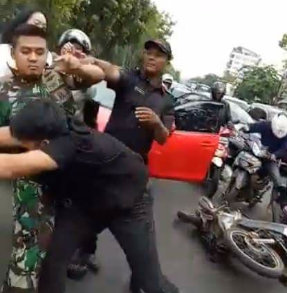 Kadispenal Laksamana Pertama TNI Gig Jonias Mozes Sipasulta membenarkan kedua pihak yang berseteru itu mempunyai keluarga yang merupakan tentara