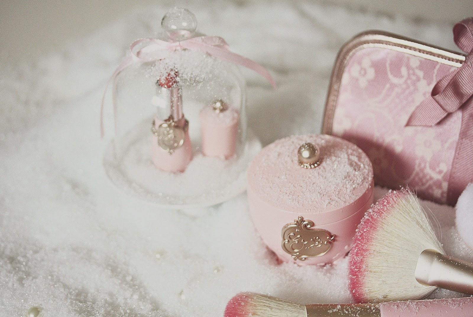http://rosemademoiselle.blogspot.com/2014/11/princess-etoinette-etude-house.html