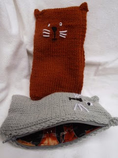 http://translate.googleusercontent.com/translate_c?depth=1&hl=es&rurl=translate.google.es&sl=en&tl=es&u=http://stana-critters-etc.blogspot.com.es/2014/08/knitting-pattern-for-kitty-pencil-box.html&usg=ALkJrhgG9ySzepaU4KJ2ulp87oQUcY0z1g