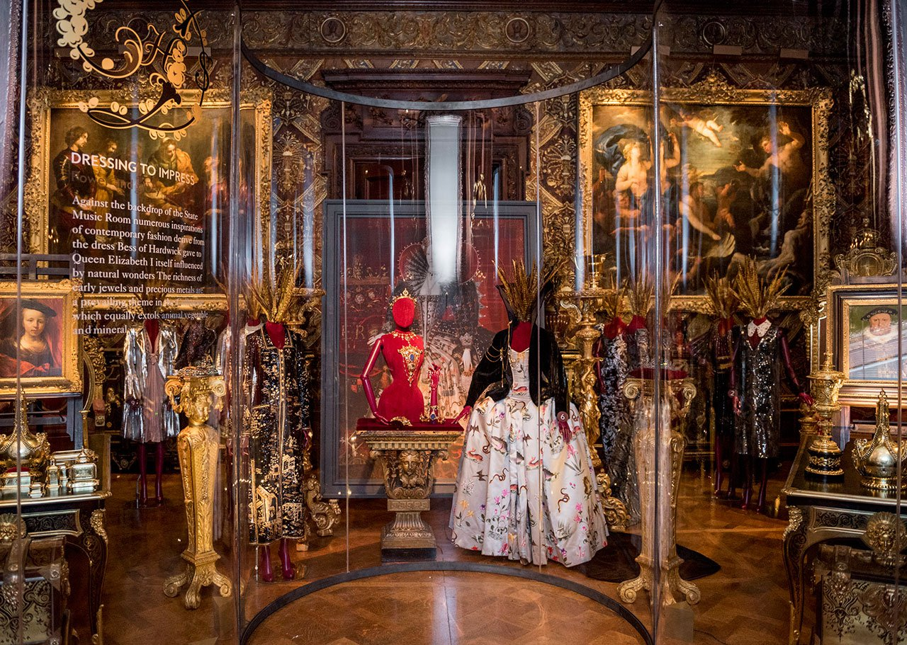 Loveisspeed House Style Five Centuries Of Fashion At Chatsworth Curated By Hamish