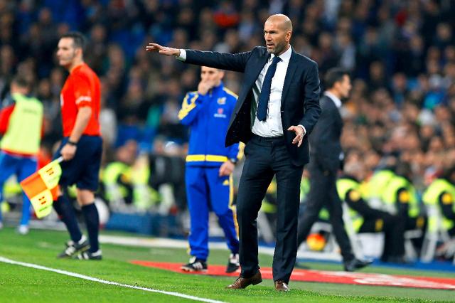 Zinédine Zidane dirigeant un match du Real Madrid en championnat espagnol
