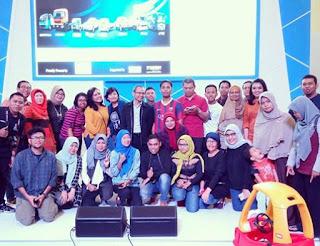 Foto bersama Tata Motors dan para blogger