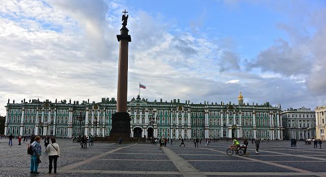 Saint PétersbourgLe Palais d'Hiver édifié par l'architecte Bartolomeo Rastrelli à la demande de la Tsarine Elizabeth