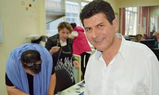 Το τελευταίο «αντίο» στον Νίκο Γρυλλάκη- Λύγισε on air η Σαρακίνη (Βίντεο)