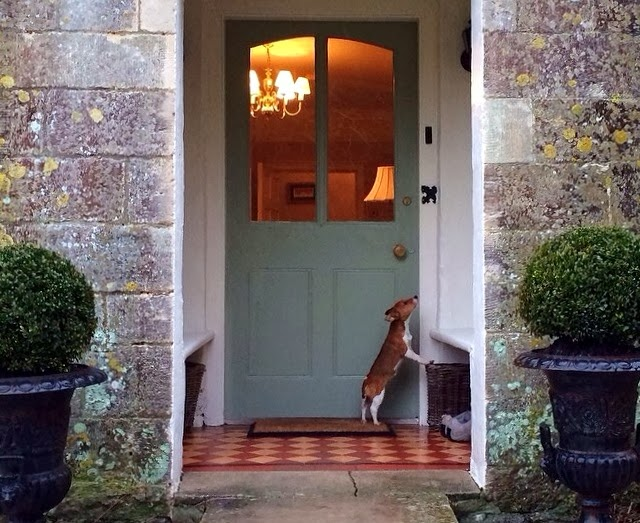 Great Recessed Entrance Content In A Cottage