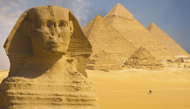 मिस्र का मशहूर पिरामिड
