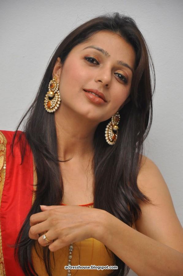 Bhumika chawla cute churidhar stills