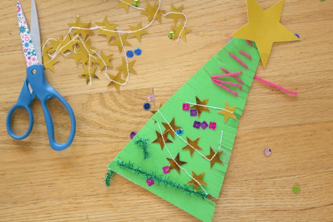 decorating christmas tree craft kids