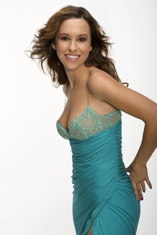 Database Biographies Famous People: American Actress, Musician Lacey Chabert