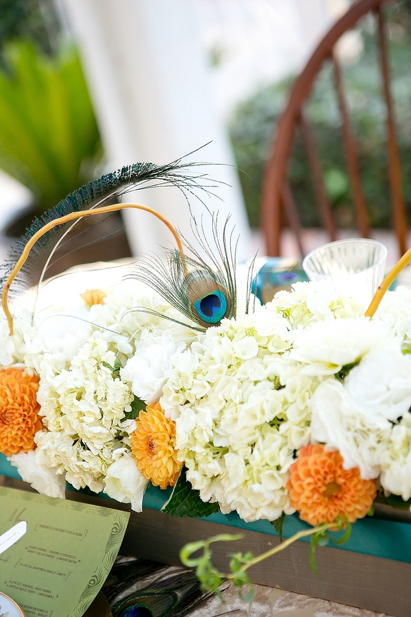feather+wedding+theme+inspiration+blue+teal+turquoise+beige+champagne+green+reception+table+centerpiece+table+place+setting+escort+card+cards+bouquet+bridesmaids+dresses+bridal+dress+gown+meghan+wiesman+photography+19 - Show your feathers!