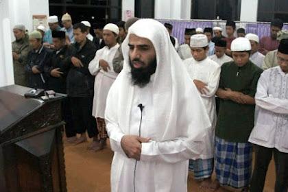Ini Alasan Mengapa Bacaan Sholat Dzuhur dan Ashar Harus Dipelankan.. muslim wajib baca !!