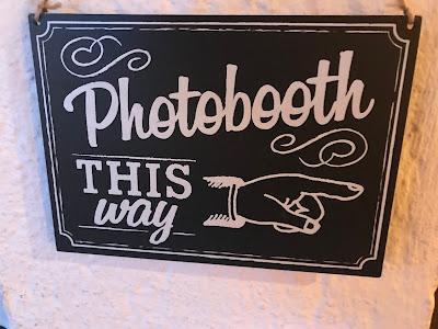 Photobooth, Novemberhochzeit, Winterhochzeit, Petrol, Silber, Weiß, Grün, Riessersee Hotel Garmisch-Partenkirchen, Hochzeitsplanerin Uschi Glas, Location, Wedding Venue, wedding planner, Bavaria, Berghochzeit