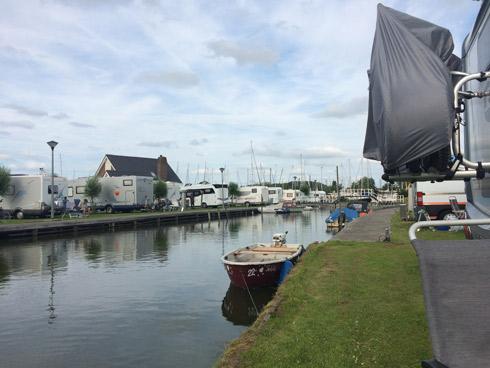 Área de autocaravanas en la marina de Lemmer. Holanda. Caravaneros blog autocaravanas