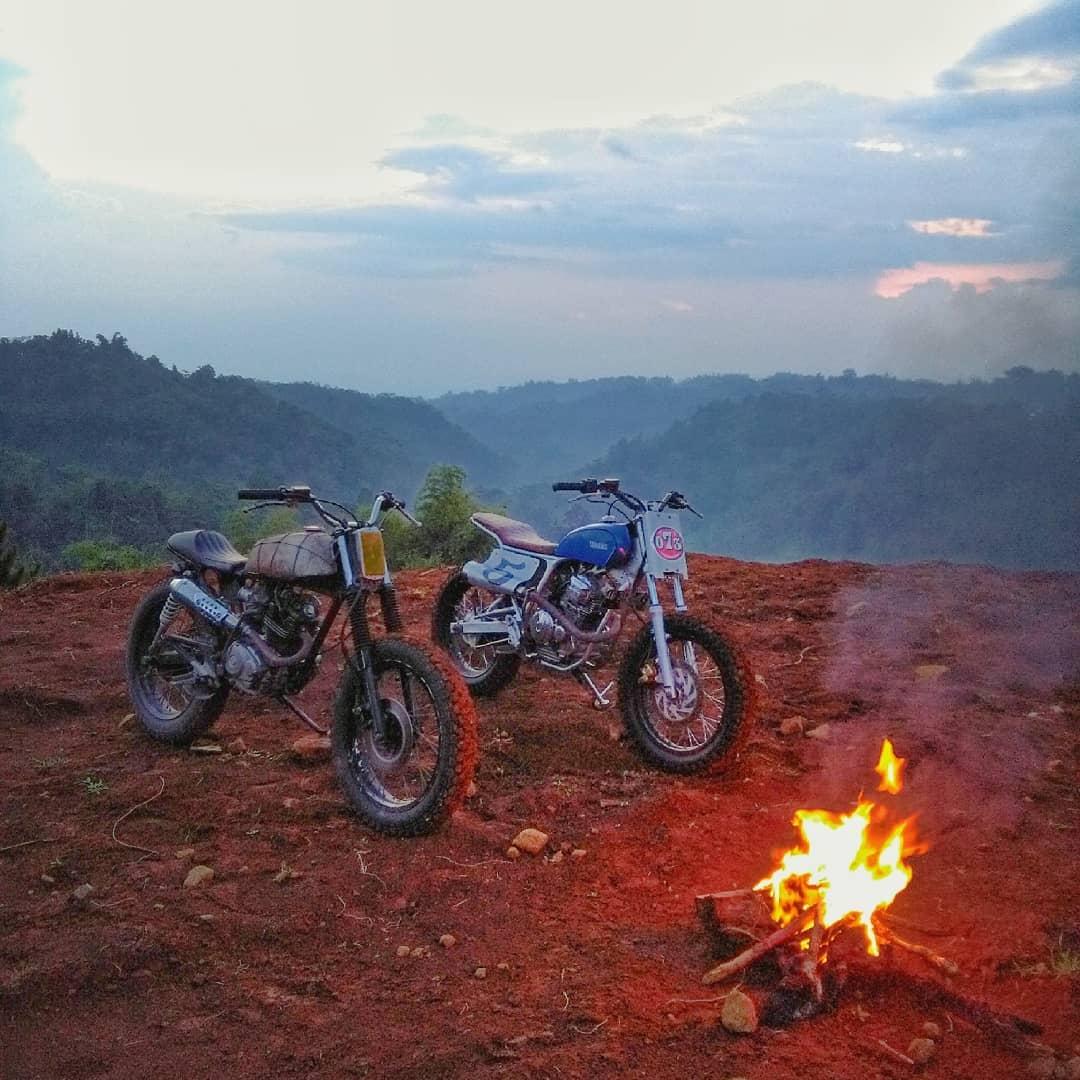 Kemah Naik Motor Custom Yamaha Scorpio Tracker