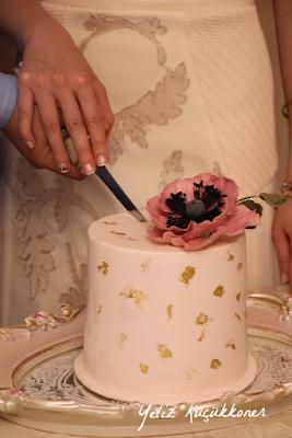 engagement cake anemone cake fondant anemone