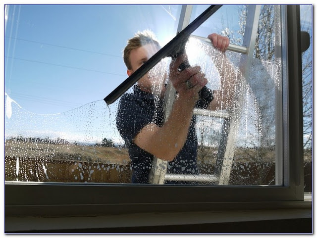 Best Way To Clean GLASS WINDOWS and doors