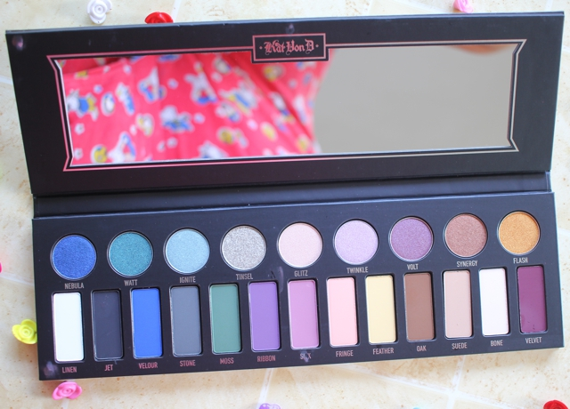 Review, swatches and eye makeup looks with the Kat von D Metal Matte Eyeshadow Palette.