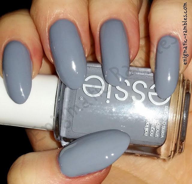 swatch-essie-cocktail-bling