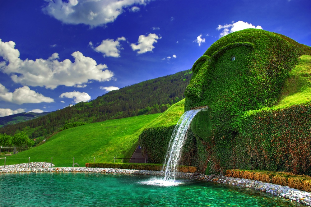18 Amazing Fountains From All Over The World That Are Real Works Of Art - Svarovski Fountain in Austria