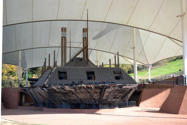 Човен-броненосець ЮСС Каір (USS Cairo - one of the first American ironclad warships)