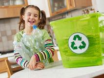 Pengelolaan Sampah Kreatif Ala Ibu Bercahaya