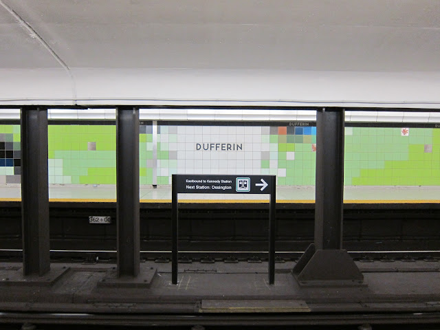 Dufferin station platform view