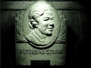 Alfonsina Storni: Homenagem no Café Tortoni, em Buenos Aires
