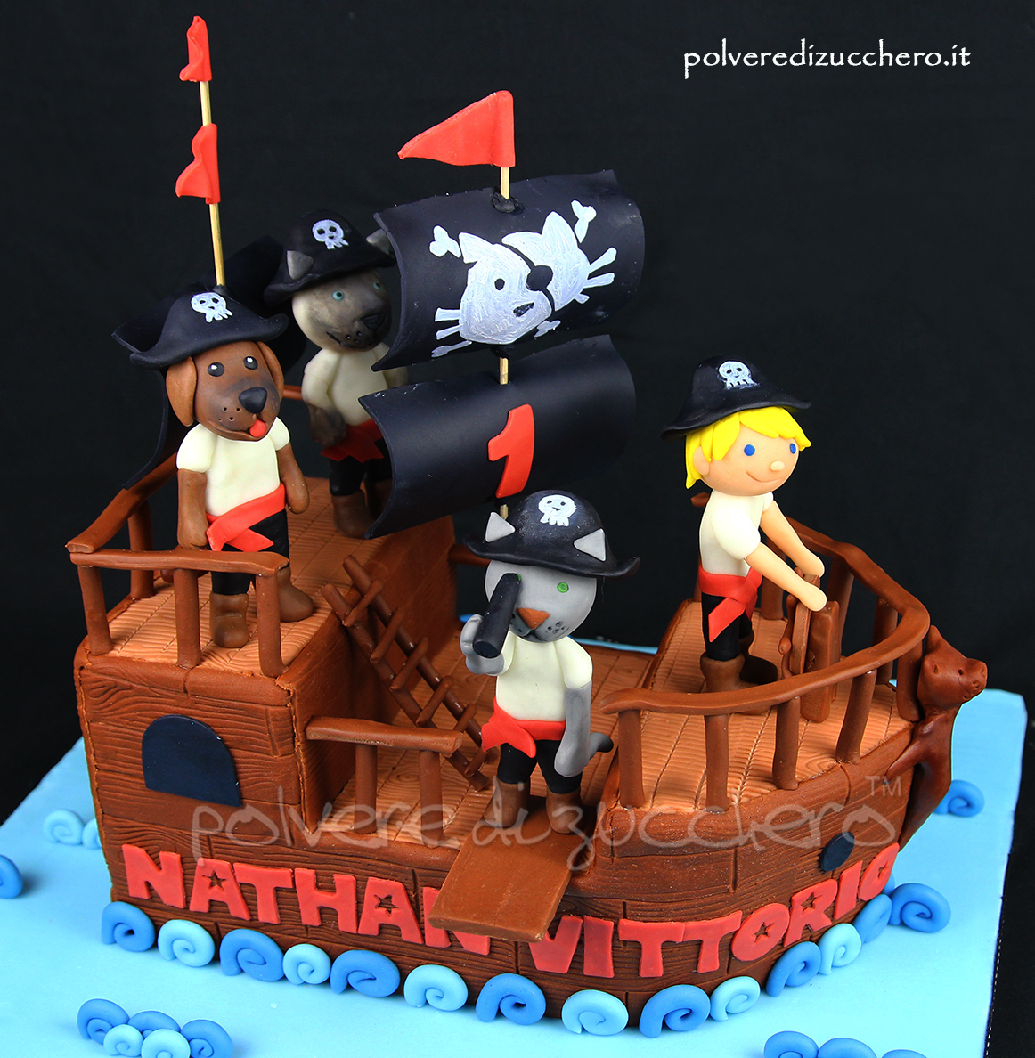 torta decorata cake design pasta di zucchero vascello dei pirati cane gatto polena fondant sugar paste pirate vessel cat dog boy