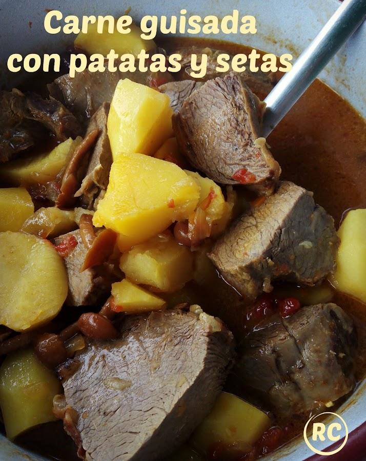 CARNE-GUISADA-CON-PATATAS-Y-SETAS-BY-RECURSOS-CULINARIOS
