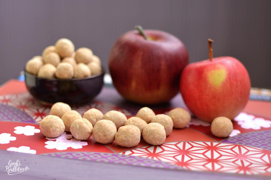 Hundekekse selbst backen Apfel-Kokos Kugeln