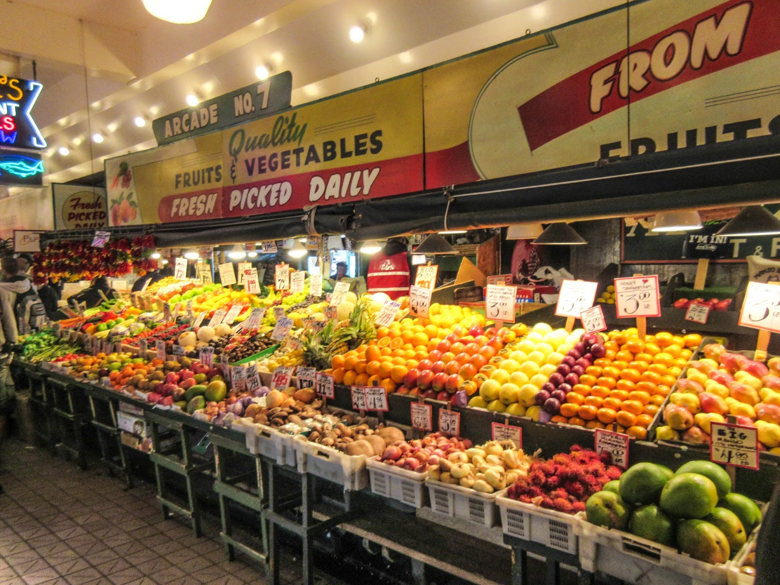 Cannundrums pike place market seattle for Fishing store seattle