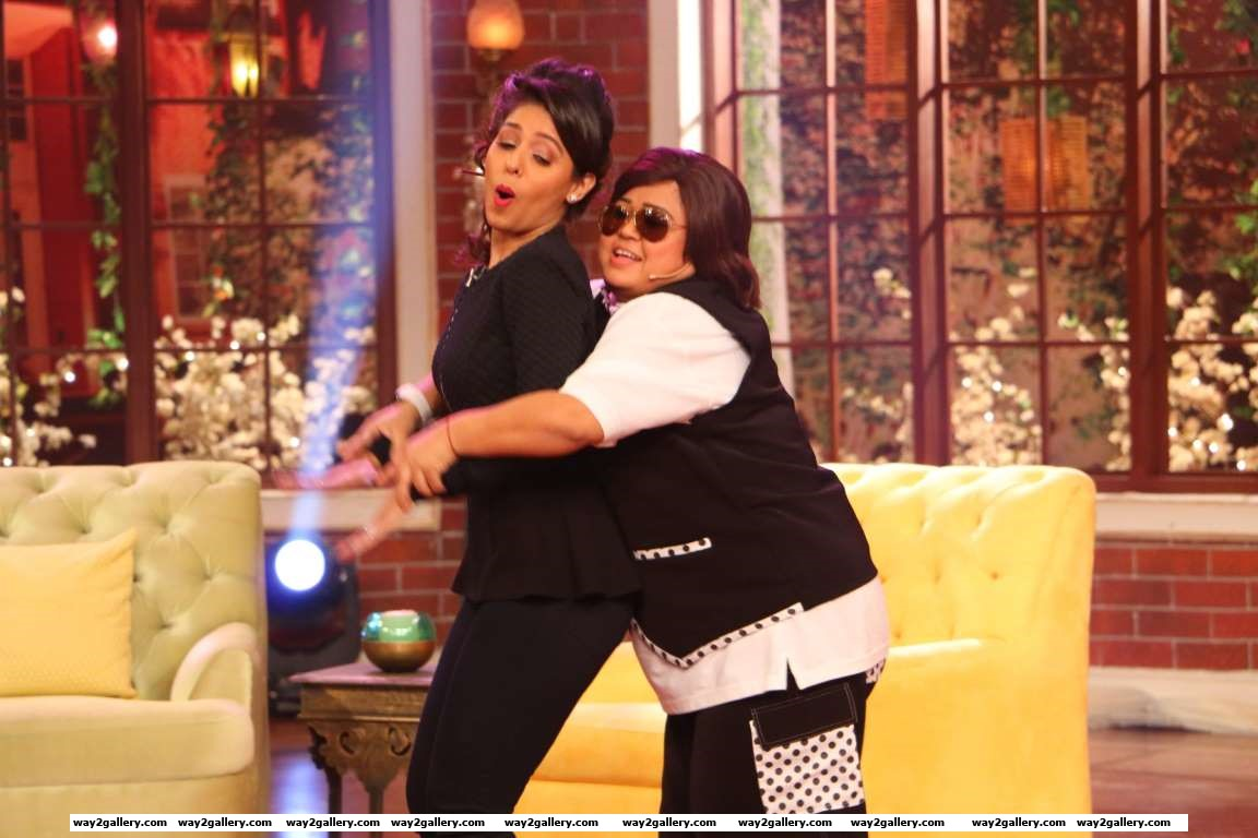 Sunidhi Chauhan and Bharti Singh perform on the set of Comedy Nights Live