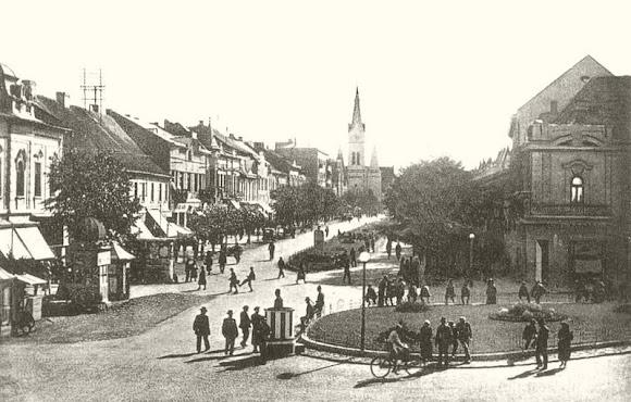 Мукачево. Пам'ятники на площі до Другої світової війни
