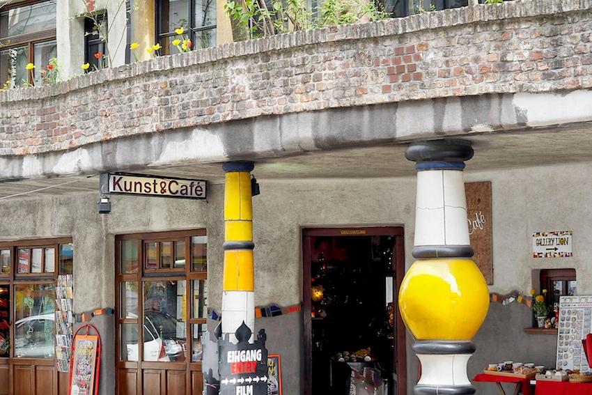 Kunst und Café