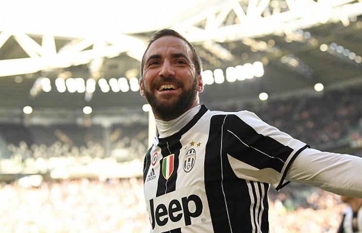 Serie A 2016/17 / 21. kolo / Juventus - Lazio 2:0 (2:0)