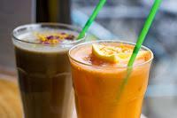 earth smoothie and orange carrot juice, Eatery Hopping: Vegan Brunch at Milgi, Cardiff, www.imogenmolly.co.uk