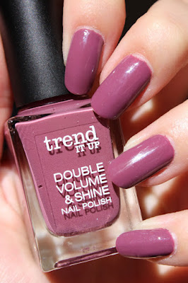 http://lacquediction.blogspot.de/2015/08/trend-it-up-quer-durchs-sortiment.html