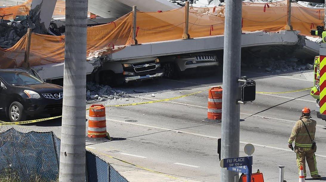 Un ponte pedonale crolla su autostrada a Miami, ci sono morti